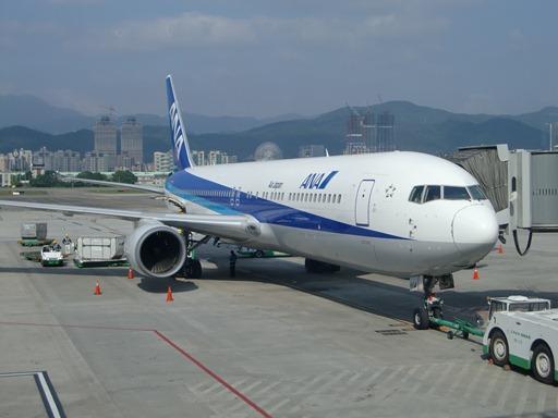 ANAのB767-300ER(TSAにて).JPG