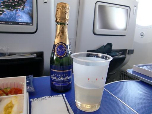 お約束の(?)シャンパン.JPG