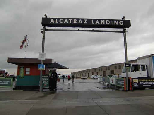 アルカトラズ島への入口.JPG