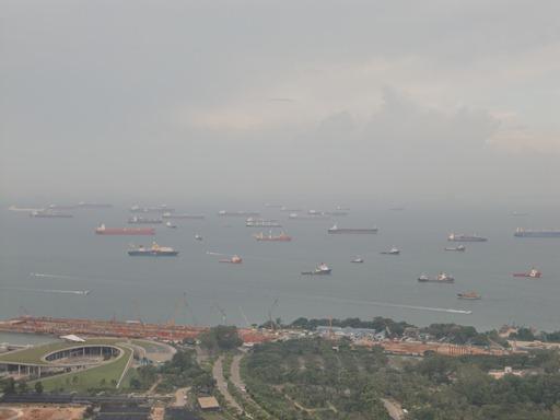シンガポール沖.JPG