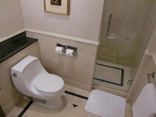 トイレ&シャワー.JPG