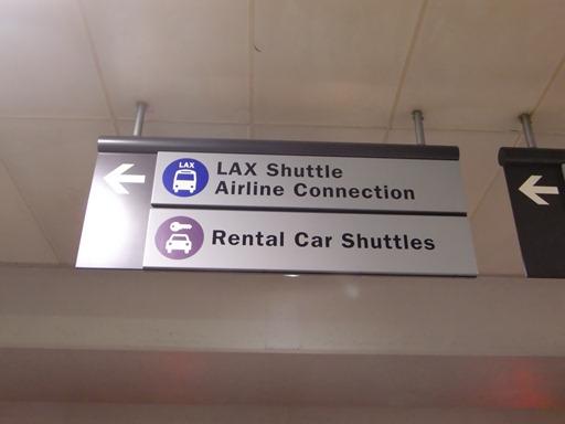 LAX Shuttleで移動.JPG